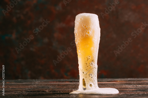 Tuinposter Bier / Cider Cold and Foamy Beer