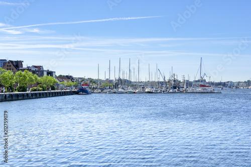 City on the water Blick über den Stadthafen von Rostock - Mecklenburg-Vorpommern