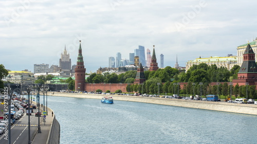 Foto op Aluminium Moskou Moscow skyline with Kremlin, International business Center and Ministry of Foreign affairs, Russia