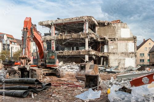 Photo Abriss eines ehemaligen Geschäftsgebäudes