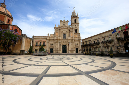 Photo Piazza del duomo of Acireale, sicily, Italy