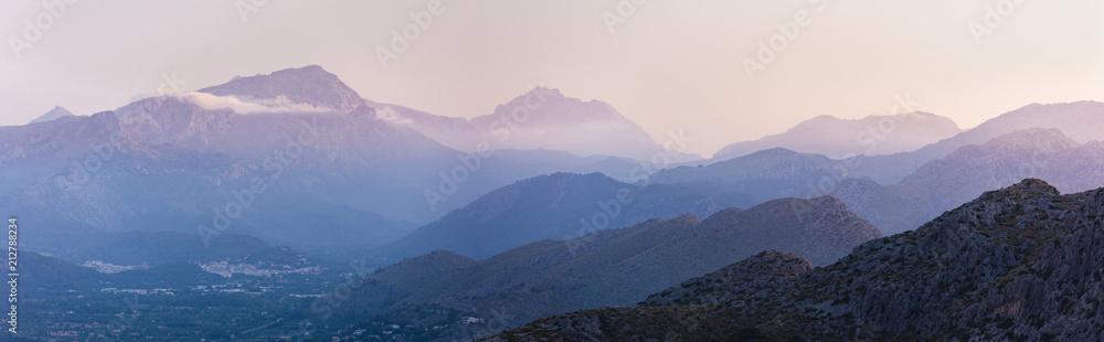 Obraz Late afternoon in the Sierra de Tramuntana de Mallorca fototapeta, plakat