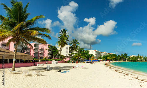 Fotografía  The sunny tropical Dover Beach on the island of Barbados