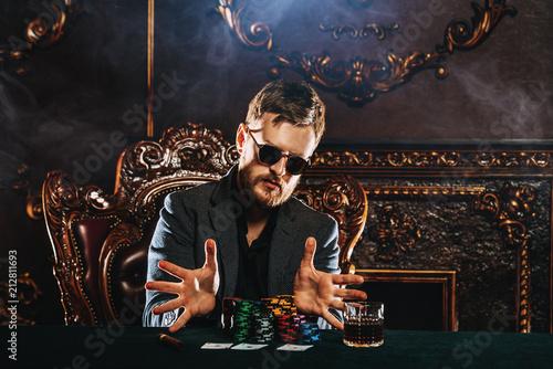 Foto  gambling in casino