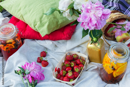 Poster Picknick Picnic in the outdoor with strawberry and cold beverages
