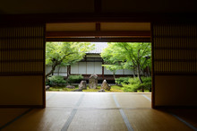 The Oldest Zen Temple Kennin-j...