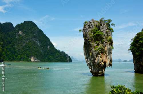 Staande foto Eiland James bond Island or Khao Tapu In Phang Nga Bay Thailand.