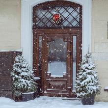 Old Brown Vintage Entrance Door. Exterior