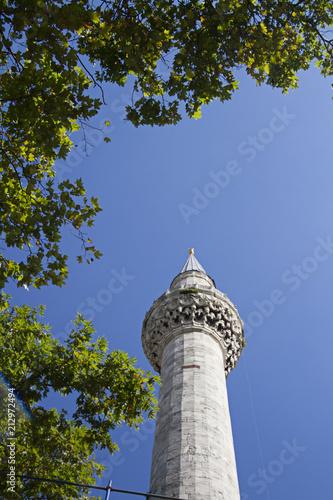 Fotografia  Mosque minaret in istanbul