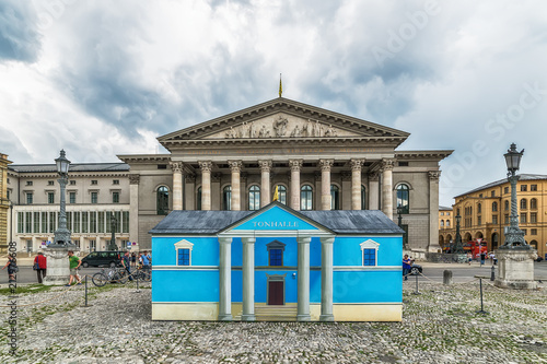 Keuken foto achterwand Theater Munich, Germany June 09, 2018: National Theater neoclasical styled building at Max Joseph square in old town in a sunny day. This landmark acts as the Bayerische Staatsoper headquarters