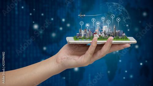 Obraz na płótnie Smart city on smartphone.