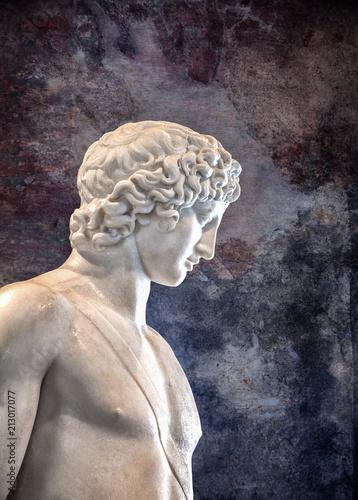 Papiers peints Europe Centrale Ancient marble detail