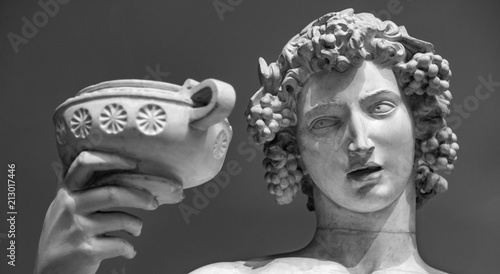 Photo Dionysus Bacchus Wine statue portrait