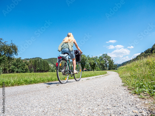 Keuken foto achterwand Europa Auf dem Donauradweg