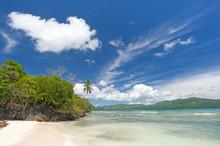 Tropischer Karibischer Strand Playita Auf Der Halbinsel Samaná, Dominikanische Republik