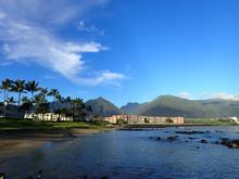 Kahului Bay With Hotel, Coconu...