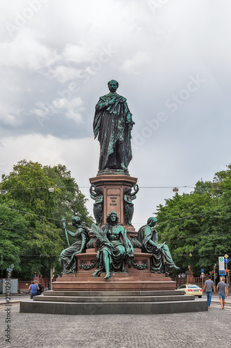 Foto op Plexiglas Historisch mon. Munich, Germany - June 09, 2018: Maxmonument (1875), statue of Maximillian II, Munich, Germany.