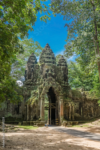 Foto op Plexiglas Historisch mon. North gate of Angkor Thom complex near Siem Reap Cambodia South East Asia