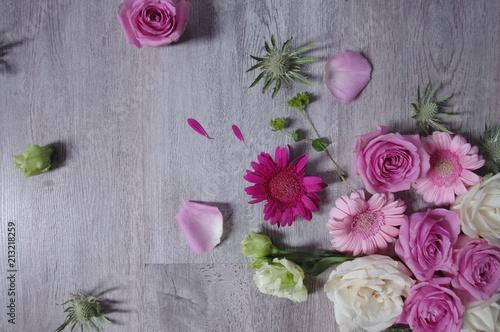 Papiers peints Marguerites fond fleurs