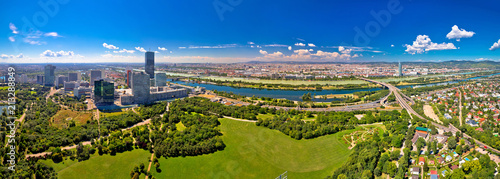 Tuinposter Wenen Vienna skyline and cityscape aerial panoramic view