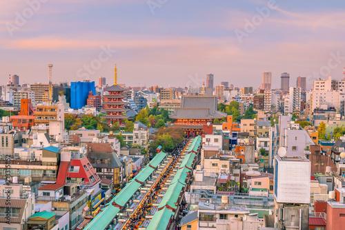 Plakat Odgórny widok Asakusa teren w Tokio Japonia