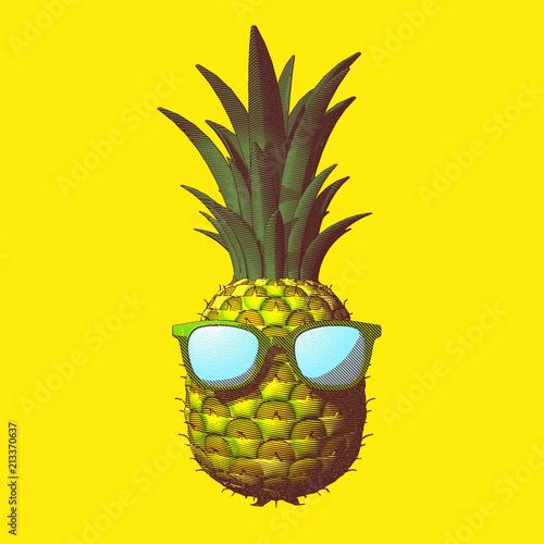 ananasowa-rysunkowa-ilustracja-odizolowywajaca-na-zoltym-bg