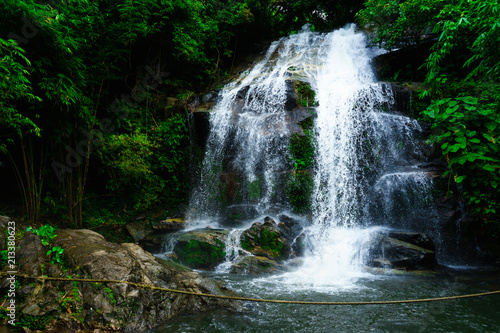 In de dag Watervallen SAIKU waterfall in national park it is beautiful at southern, Thailand