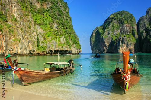 Staande foto Eiland Longtail boats anchored at Maya Bay on Phi Phi Leh Island, Krabi Province, Thailand