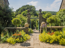 Cotswold Traditional Village E...