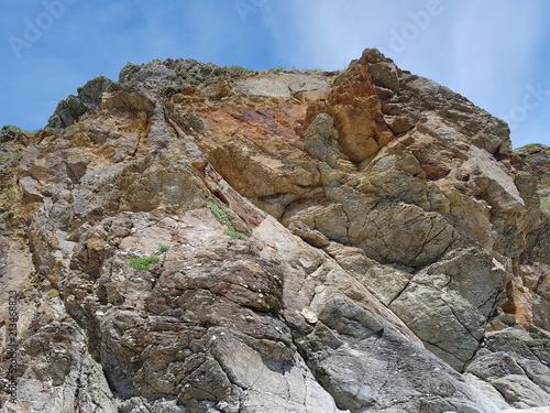 falaise abrupte ,roche naturelle en bretagne Canvas Print