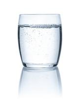 Freigestelltes Glas Mit Wasser