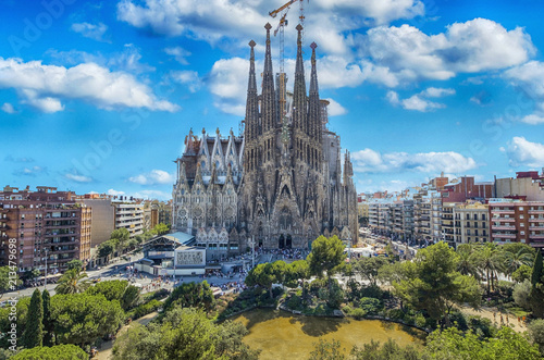 fototapeta na drzwi i meble BARCELONA, SPAIN - SEPTEMBER 15,2015 : Sagrada Familia in Barcelona. Sagrada
