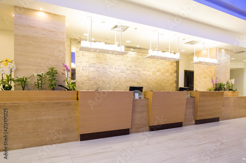 Foto Hotel reception area, desk