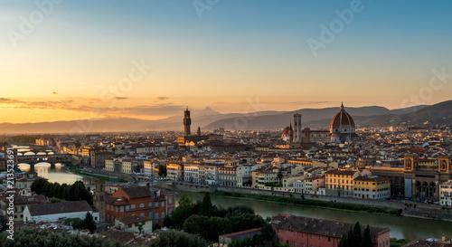 Montage in der Fensternische Paris Florence Skyline view