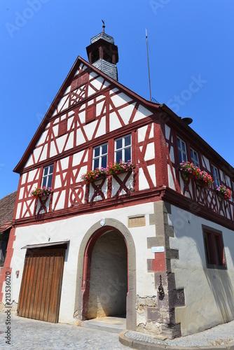 Foto  historisches Rathaus in Bieberehren im Landkreis Würzburg - Bayern