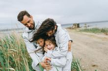 Beautiful Family Portrait Dres...