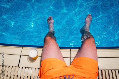 In de dag Bier / Cider Man with beer in summer