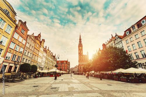 Poster Centraal Europa Dlugi Targ in Gdansk, Poland during sunrise.