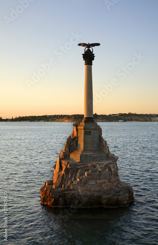 Obraz na plátně  Monument to ships scuttled  in Sevastopol. Ukraine