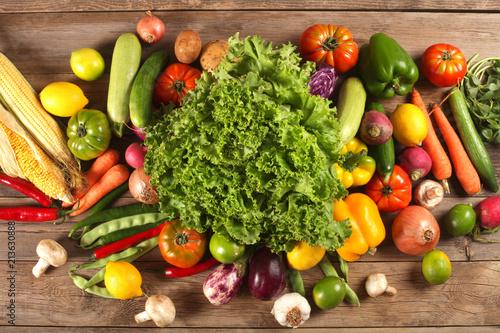 vegetables background © izzetugutmen