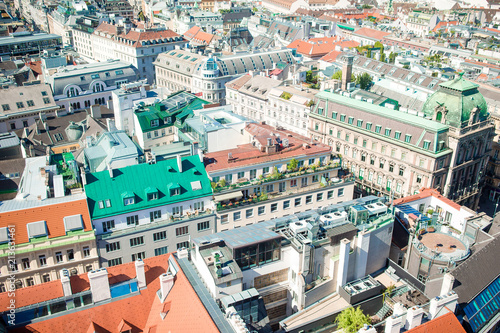 Papiers peints Con. ancienne View from St. Stephen's Cathedral over Stephansplatz square in Vienna, capital of Austria on sunny day