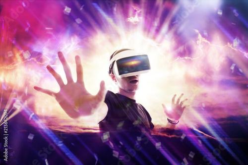 Fotografie, Obraz  Réalité virtuelle 3D casque sensation jeu informatique rêve gamer avenir logicie