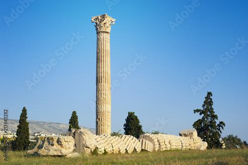 Fotografia, Obraz Temple of Olympian Zeus in Athens Greece, famous archealogical landmark