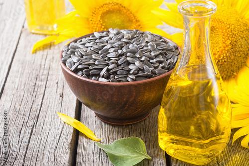Deurstickers Aromatische Ingredient oil , seeds and sunflower