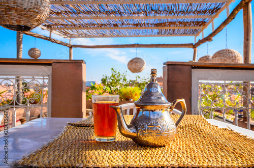 Poster Maroc Traditional Moroccan mint tea in Marrakech, Morocco