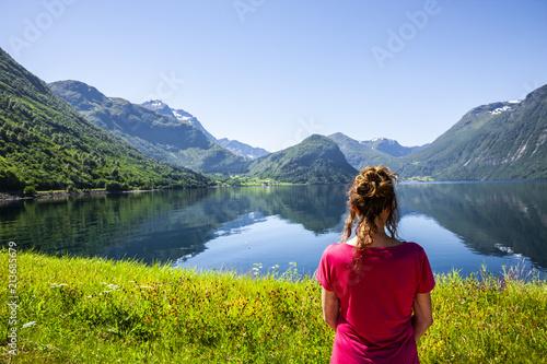 Keuken foto achterwand Europa Frau am Fjord