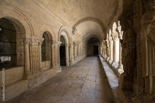 Photo Romanesque Cloisters Church of Saint Trophime Cathedral in Arles