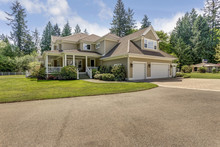 Outstanding Country Residence With Perfect Landscape Design.