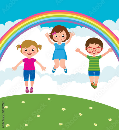 In de dag Regenboog Group of kids playing and jump in the meadow under the rainbow