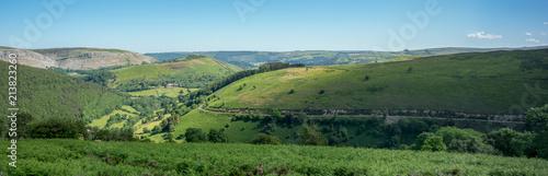 Foto op Plexiglas Pool Welsh Landscape